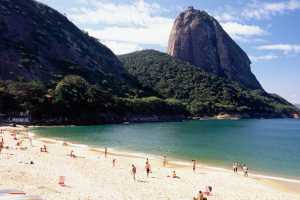 View of the Sugarloaf Mountain from the Vermelha Beach - Brésil-Cosmic Travel