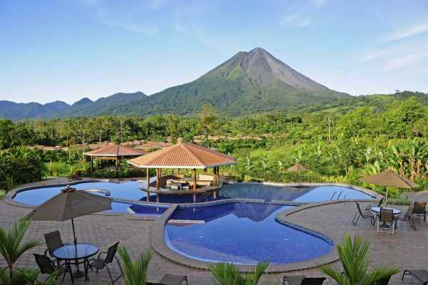 Arenal Manoa - Costa Rica - Cosmic Travel
